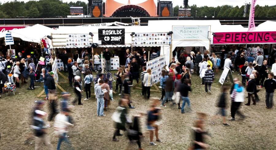 Rasmus Hougaard Nielsen skriver om den kontantløse Roskilde Festival: »Valget mellem kontanter og digitale betalinger er ikke et spørgsmål om bekvemmelighed og omkostningsminimering, men derimod først og fremmest et spørgsmål om kontrol med pengesystemet.«