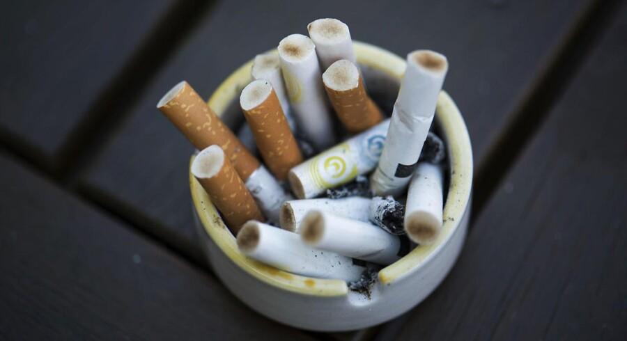 »De tobaksproducerende virksomheder skal også drages til ansvar. Det er ikke OK at tjene milliarder på at sende folk i ulykke og død,« skriver Niels Jørgen Langkilde, landssekretær i Patientforeningen.