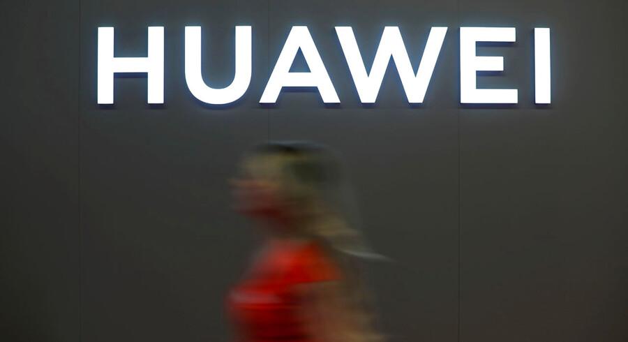 Tirsdag sagde USA's handelsminister, Wilbur Ross, at regeringen vil udskrive licenser til selskaber, der sælger til Huawei, under særlige betingelser.