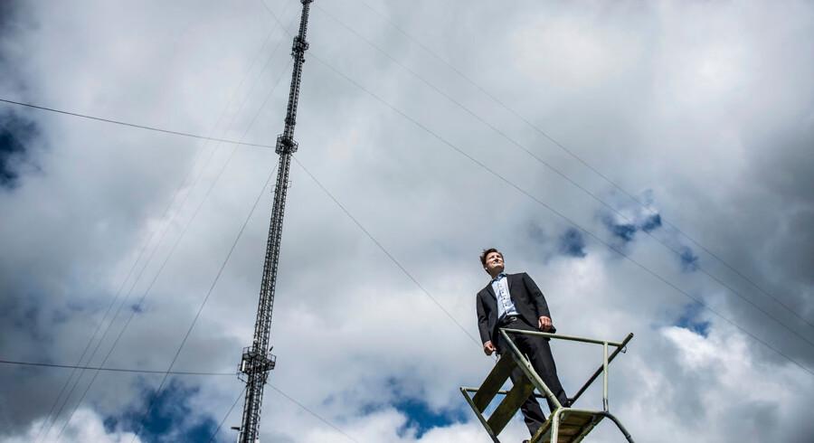 Svenskejede Teracom, som ejer hele det danske TV- og radionet, er i gang med at frasælge TV-selskabet Boxer og kaste sig ind på nye områder. Adm. dir. Martin Løbel viser rundt på TV-mastelokationen i Hove, hvor man nu også opretter datacenter.