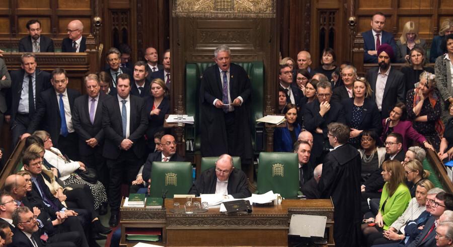 En rapport viser, at der er god grundf til at råbe vagt i gevær i forhold til, hvordan medlemmer af House of Commons behandler deres medarbejdere. Her er parlamentets formand John Bercow i gang med at påberåbe sig ro i parlamentet. Arkivfoto: Mark Duffy/Reuters/Ritzau Scanpix