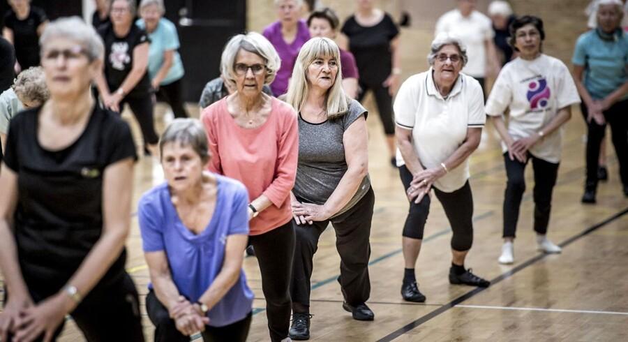 »Hvis vi skal forstå faldet i renterne fra starten af nullerne, er det især værd at bide mærke i, hvad der er sket med befolkningernes alderssammensætning,« skriver Lars Christensen.