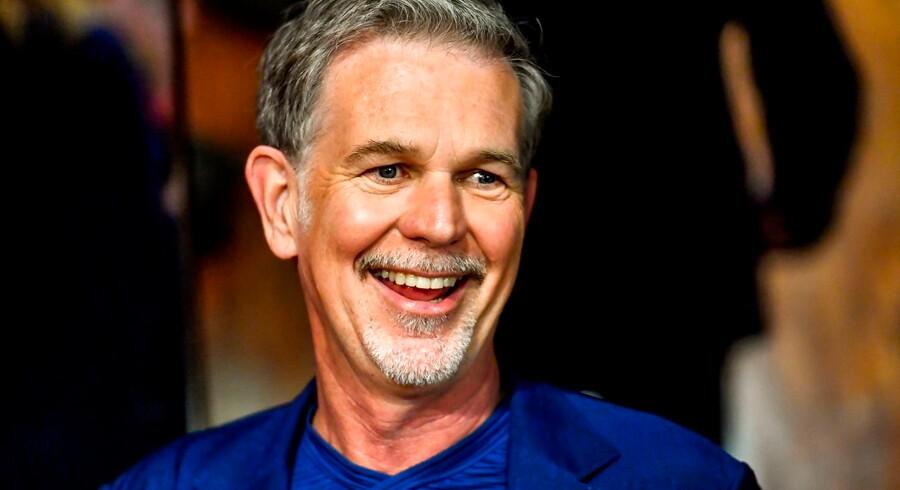 Reed Hastings, adm. direktør for streamingtjenesten Netflix, er kendt som en mand, der møder enhver udfordring med et smil på læben og en endeløs optimisme. Men nu står topchefen over for en række udfordringer, der kan lægge en dæmper på det gode humør.