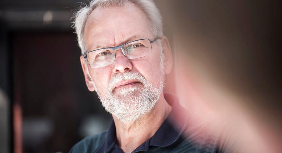 »Folketinget skal aktivt skride ind over for det, der sætter spørgsmålstegn ved velfærdssamfundets fremtid. Skride ind over for elitens kørsel på frihjul, udtørre den finansielle sump og lænke Corydons reformpisk til skammekrogen,« skriver Dennis Kristensen, forhenværende formand for FOA.