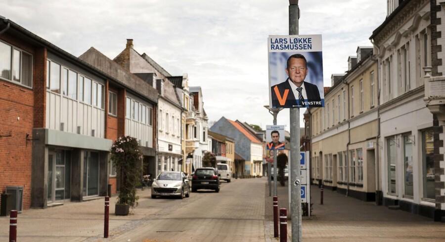 På Lolland var stemmeprocenten væsentligt lavere end i resten af landet. Både til folketingsvalget og til EP-valget. Borgmesteren på Lolland fortæller, at han ofte hører begrundelsen: Det nytter alligevel ikke noget.