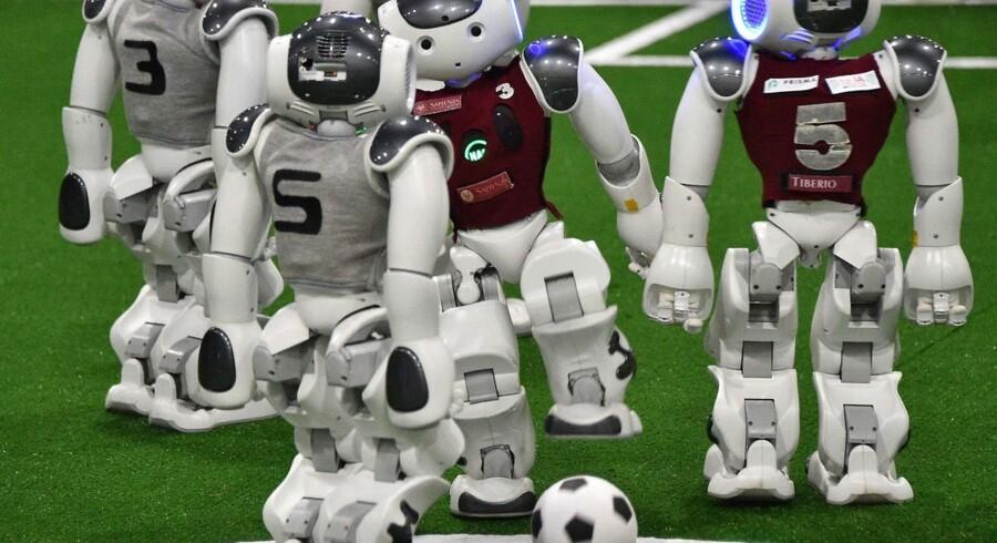 Joe Kaeser, CEO i Siemens, har investering i kunstig intelligens og moderniseret lovgivning blandt sine bud på, hvad der skal ruste Europa til fremtiden. Her udkæmpes RoboCup 2019. Foto: Peter Parks/AFP/Ritzau Scanpix
