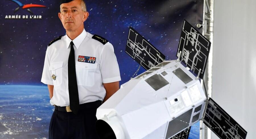 Philippe Lavigne, general i det franske flyvevåben, præsenterede den nye franske militære strategi for rummet.