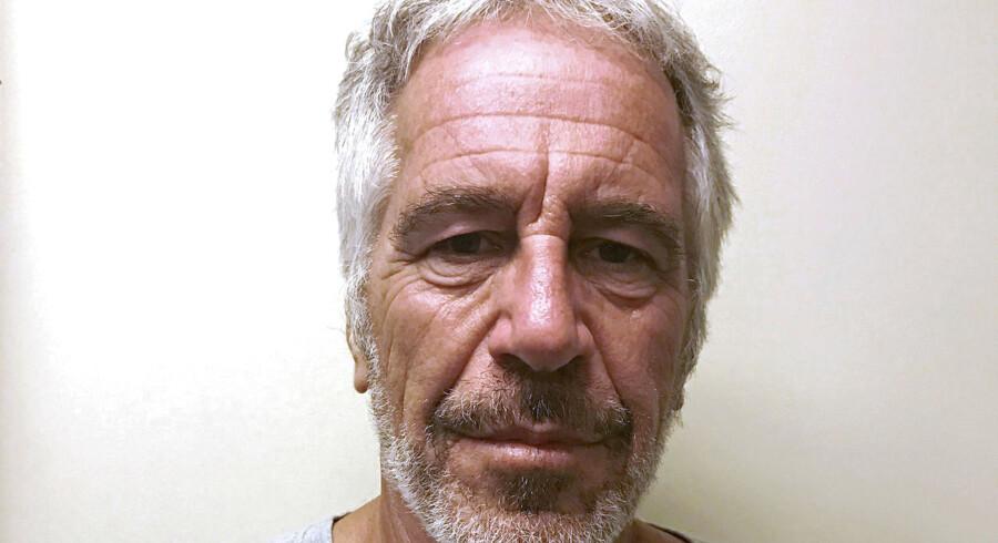 Arkivfoto. Jeffrey Epstein blev 28. marts 2017 fotograferet til en liste over sexforbrydere. Han er i årevis blevet anklaget for seksuelle forbrydelser.