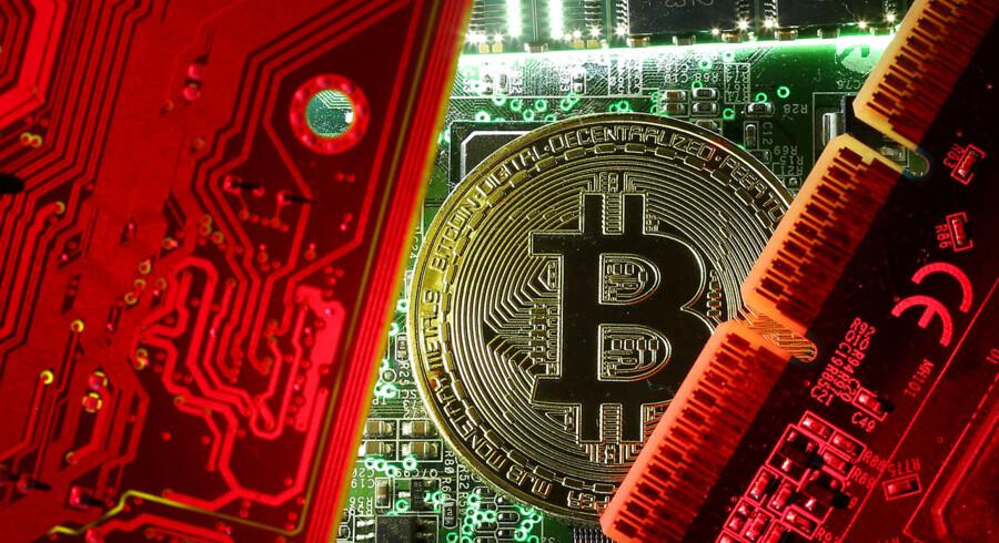Bitcoin har fået medvind af handelsballaden og de negative renter i mange lande.