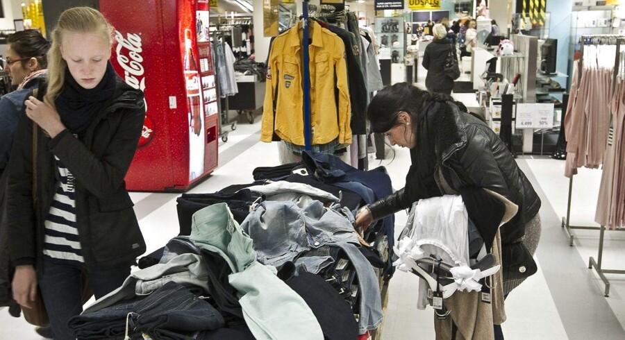 De danske forbrugere kan glæde sig over, at Danmark er det land i EU, der har den tredjelaveste inflation. I EU er det kun Grækenland og Cypern, som har en lavere inflation end Danmark. Det giver blandt andet lavere tøjpiser.