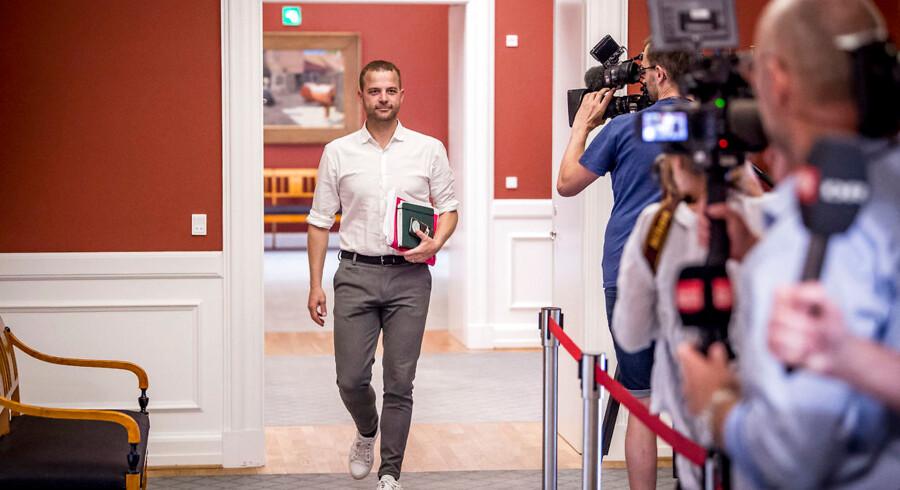 Morten Østergaard er klar til en ny politisk sæson, hvor han vil presse S-regeringen i både den økonomiske politik og i udlændingepolitikken.