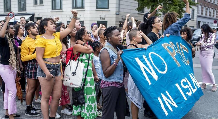 Nørrebro Pride er en udbryder fra den officielle Copenhagen Pride, hvor de hvide går bagerst, og hvor man ikke vil gå sammen med »racistiske politikere eller multinationale selskaber«. Foto fra Nørrebro Pride 2018.