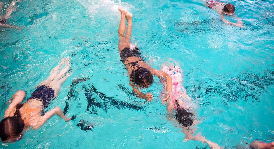 Nej til kønsopdelt svømning, lyder det fra en læser.