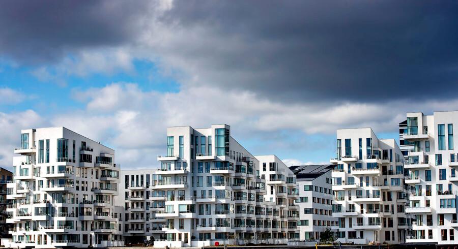 Rekordlave renter har fået solen til at skinne over de danske boligejere, men faresignaler lurer i horisonten.