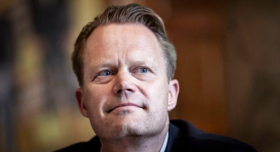 Grønland er ikke til salg, understregede Jeppe Kofod over for Danmarks Radio klokken 19. Der har ellers hele dagen været historier om, at USA's præsident Trump overvejede at købe Grønland.