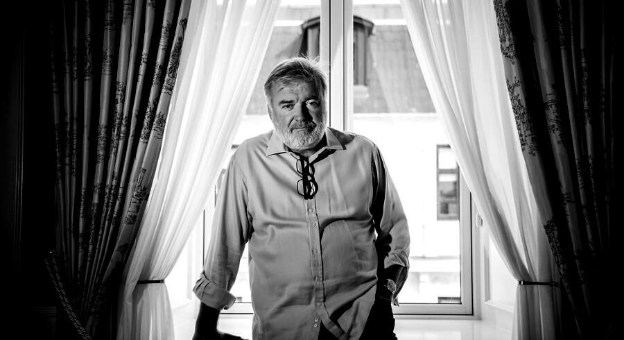Lars Seier Christensen elsker kunst. Hans private samling pynter i hjemmet i Schweiz. Han smider gerne millioner efter nye kunstoplevelser, men han er også bange for at blive »taget i måsen«.