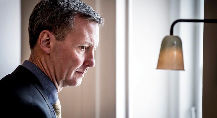 Regeringens støttepartier kræver svar fra justitsminister Nick Hækkerup (S) om PETs opsamling af følsomme oplysninger uden dommerkendelse.