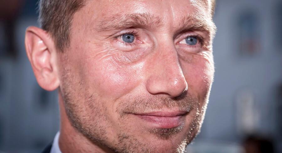 »Politik har intet med retfærdighed at gøre,« sagde en bevæget Kristian Jensen, da han meddelte, at han trækker sig som næstformand for Venstre.