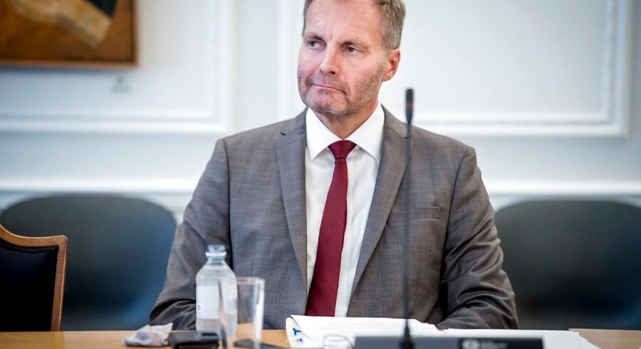 Dansk Folkepartis retsordfører, Peter Skaarup, har foreslået en stribe nye våben i kampen mod vanvidskørsel.