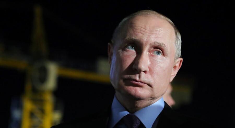 Ifølge statslige meningsmålinger er russernes tillid til Vladimir Putin lavere end nogensinde før.