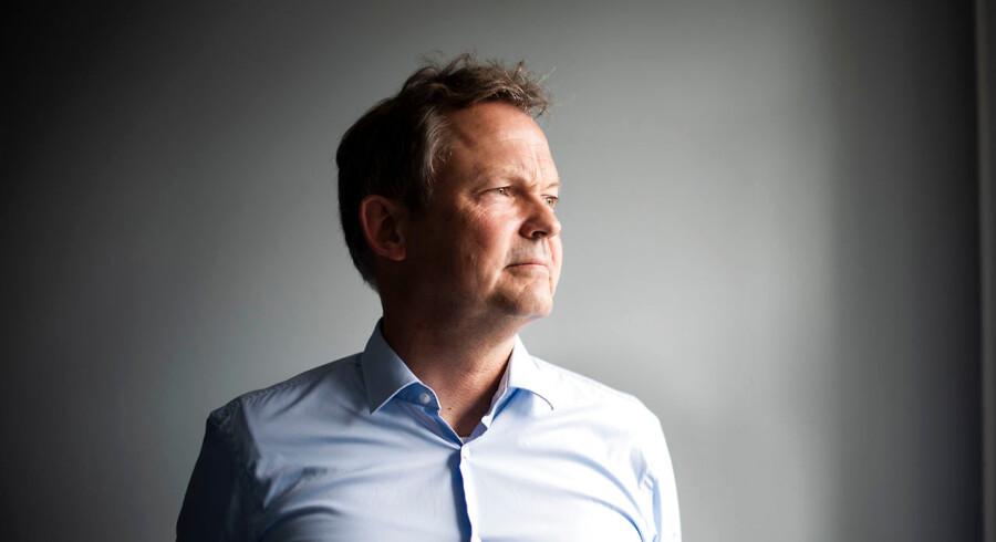 Bankernes indtjening er stærkt faldende, og Ulrik Nødgaard, direktør for finanssektorens brancheforening Finans Danmark, ser ikke nogen bedring i en række afgørende faktorer i de kommende par år.