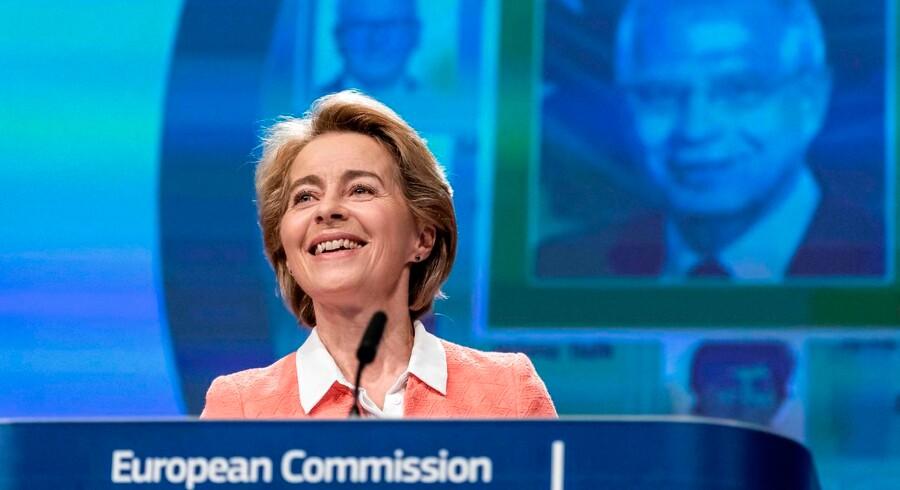 Ursula von der Leyen var lutter smil, da hun tirsdag præsenterede sin nye kommission. Nu venter der en række hårde høringer af de enkelte kommissærer, før den samlede kommission kan godkendes af Europa-Parlamentet.