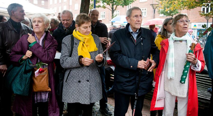 Her ses indvielsen af Anker Jørgensens Plads i Sydhavnen, hvor beboerne var mødt til talstærkt op for at ære den tidligere statsminister fra bydelen.