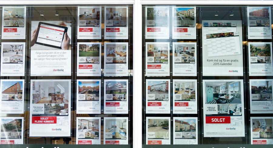Priserne på ejerlejligheder i København falder, de tager længere tid at sælge, og der skal gives større afslag, viser nye tal fra Finans Danmark.