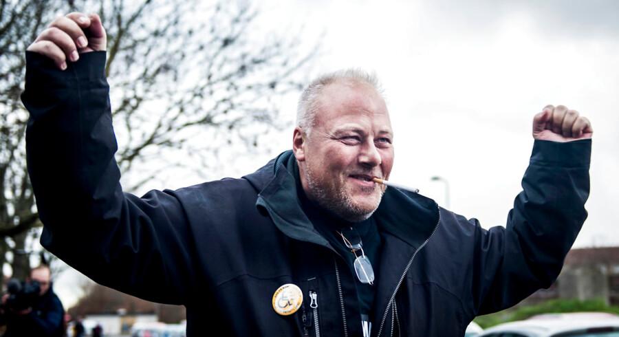 Kim Madsen er formand og stifter af bevægelsen Jobcentrets Ofre, hvis grundstamme er Facebook-gruppen af samme navn, hvor såkaldt »reformramte« mødes for at støtte og hjælpe hinanden i kampen mod »systemet« og jobcentrene.