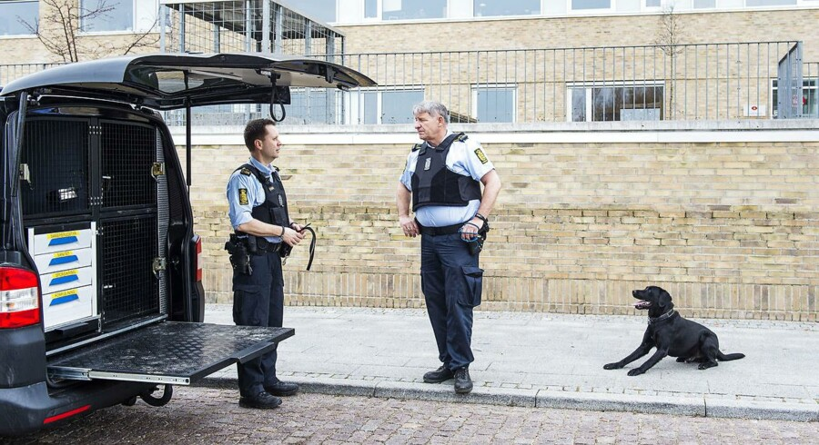 Arkivfoto: Den 16-årige Kundby-pige blev i sidste uge tiltalt for at planlægge bombeangreb mod den jødiske Carolineskolen i København og Sydskolen i Fårevejle. Sagen foregår ved Retten i Holbæk (Foto: Claus Bech/Scanpix 2017)