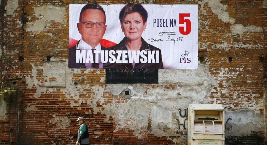De nationalkonservative Lov og Retfærdighedsparti, PiS, står til en enorm sejr i det polske parlament.