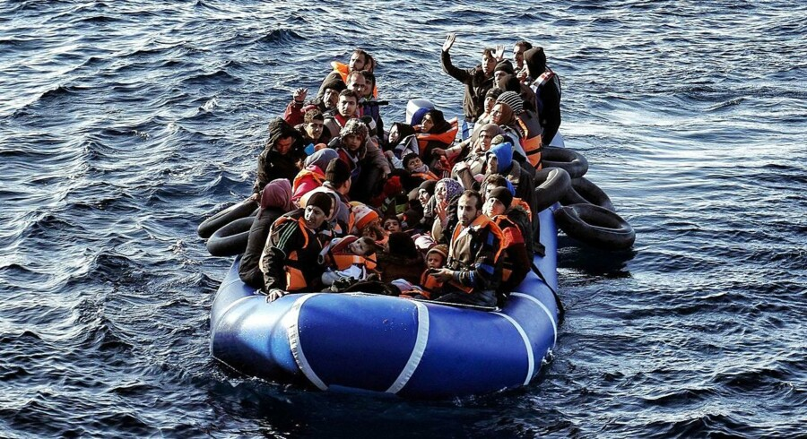 EU-Kommissionen præsenterer i dag en køreplan for redningen af Schengen. Den skal sikre, at EUs ydre grænser beskyttes, og at al intern grænsekontrol i Schengen-området – som den danske – er ophørt inden årets udgang. / AFP / STRINGER