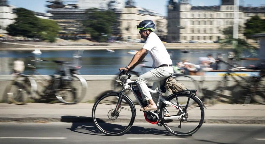 Hvordan er det at køre på cykelstien med 45 kilometer i timen? Berlingske tester en speed pedelec.
