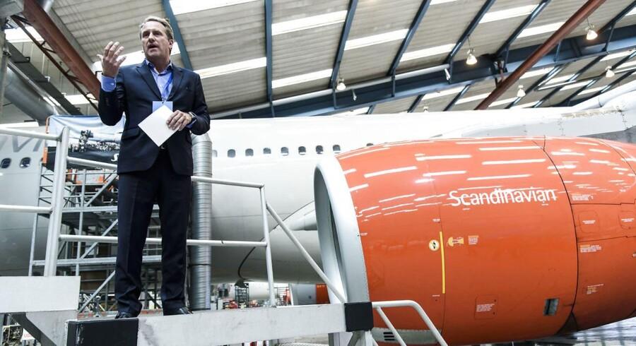 Lars Sandahl Sørensen, koncerndirektør i SAS, løfter sløret for, at SAS vil overveje at købe endnu flere, nye fly.