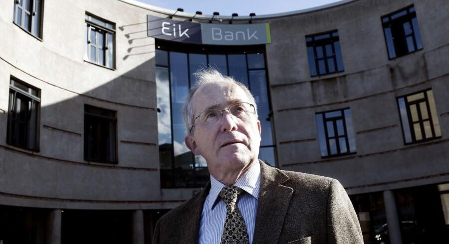 Eik Bank har fået afvist et skattefradrag til en værdi på 90 mio. kr., men fastholder alligevel en injuriesag mod det tidligere bestyrelsesmedlem, som gjorde opmærksom på, at fradraget ikke var berettiget.