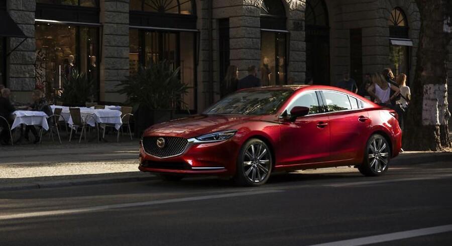 Vi forventede en helt ny, men får i stedet endnu engang en faceliftet Mazda 6. Den virker dog så stærkt fornyet, at det er sandsynligt, at Mazda løfter om en stærkt forbedret luksusoplevelse kan vise sig at være rigtig