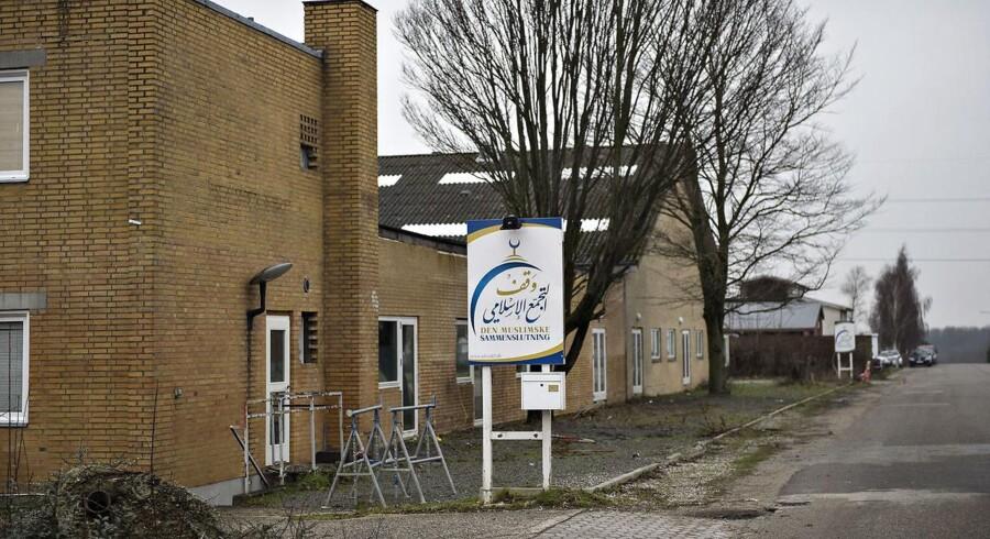 Flere partier på Christiansborg vil lukke Grimhøj-moskéen. Men hvordan?