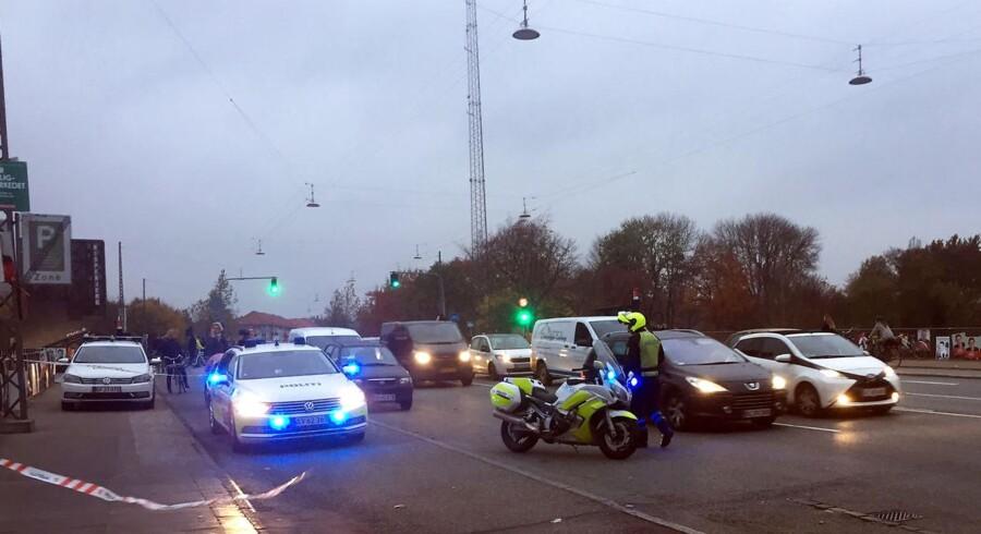 Politi og ambulance på Tagensvej i København i forbindelse med skyderi i Mjølnerparken torsdag den 9. november 2017.. (Foto: Kristian Djurhuus/Scanpix 2017)
