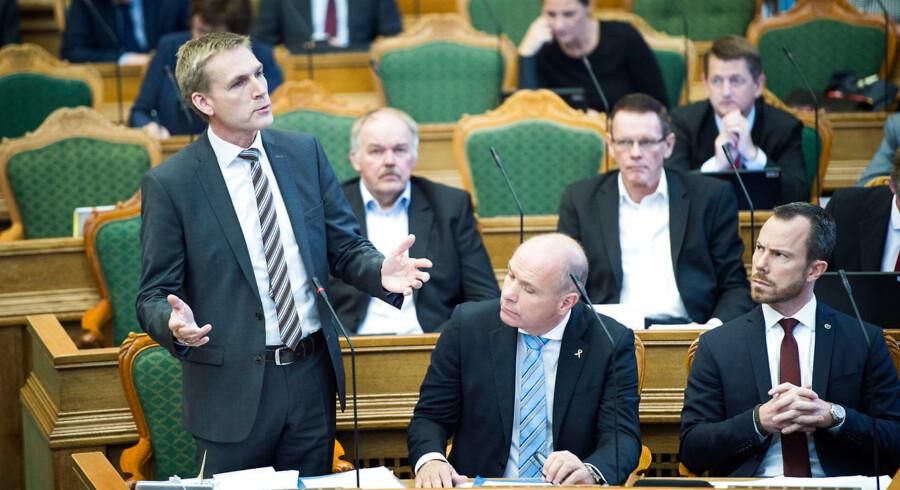 I dag er der åbningsdebat i Folketinget, som ofte varer til aftentimerne. Her skal politikerne debattere om blandt andet statsminister Lars Løkke Rasmussens åbningstale fra tirsdagens åbning af Folketinget. Kristian Thulesen Dahl.