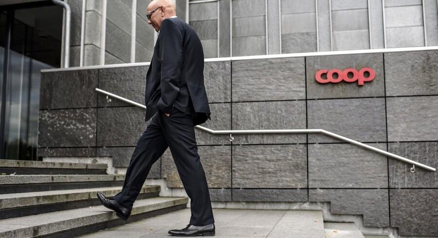 Administrerende direktør i Coop, Peter Høgsted, ændrer nu fundementalt i den bagvedlæggende struktur i Coop. Blandt andet skal ændringen medvirke til et mere lokalt tilpasset varesortiment i Brugsens kæder.