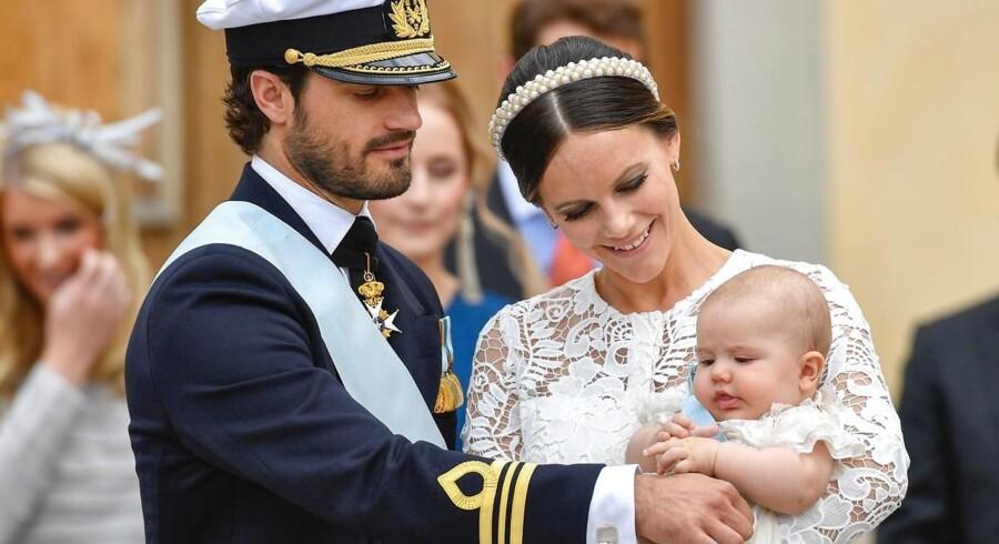 Sveriges nye prins skal hedde Gabriel Carl Walther, hertug af Dalerna, oplyser hoffet.