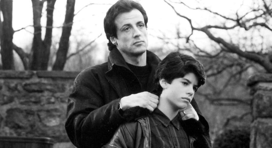 Sylvester Stallone i 1990 som Rocky Balboa med sin søn, Sage, der spillede Rockys søn.