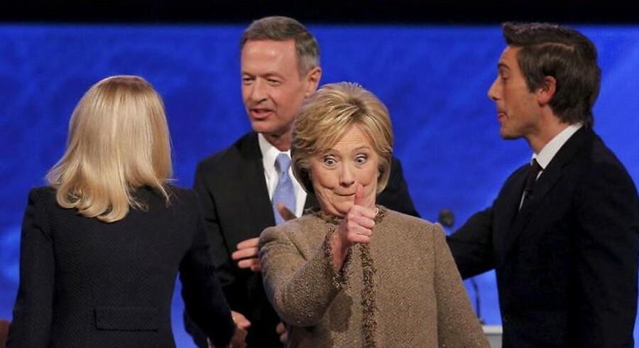 Hillary Clinton fører suverænt over de andre demokratiske kandidater. Selv TV-kanalen Fox, at debatten mellem de tre demokrater var værd at følge - ikke mindst på grund af Hillary Clinton.