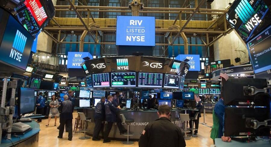 Arkivfoto. Der er umiddelbart udsigt til en blandet start på handlen med aktier på det danske marked onsdag, hvor Pandora kan komme i fokus efter en dugfrisk analyse fra amerikansk storbank.