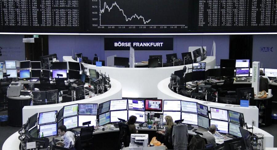 Der har været svaghed i det tyske DAX indeks, selv om forventningen til 3-4 amerikanske renteforhøjelser er forduftet, og at oliepriserne er steget markant.