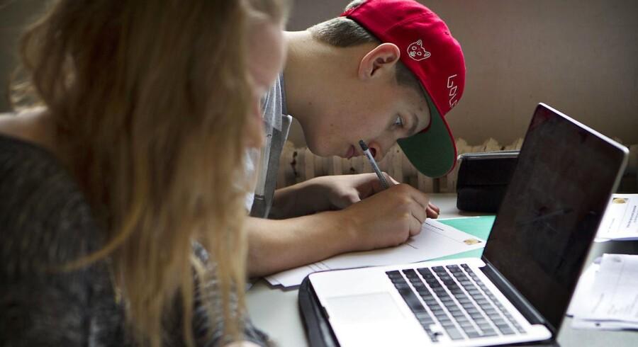 Elever på Rødovre Gymnasium kæmper med lektierne. (Arkivbillede)
