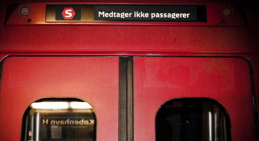 Arkivfoto: Jernbaneforbund mener, at DSB får svært ved at få folk nok til drift af S-togsbanen frem mod førerløs fremtid.