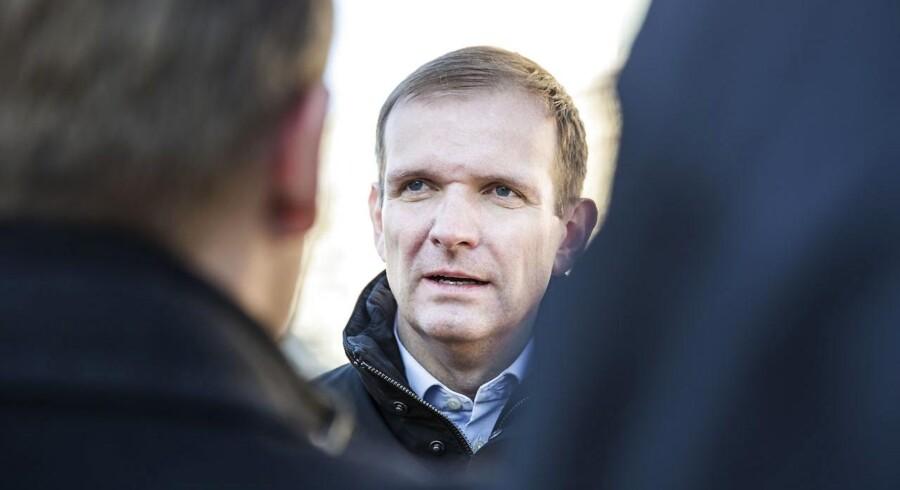 Synet af en molotovcocktail skulle skræmme 16-årig, ikke ramme ham, lyder det fra forsvarsadvokat, Michael Juul Eriksen.