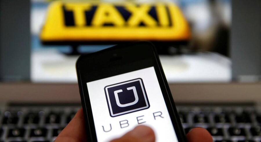 Fire straffesager mod tidligere Uber-chauffører, der risikerer store bøder, udsættes til slutningen af august. Foto: Iris.