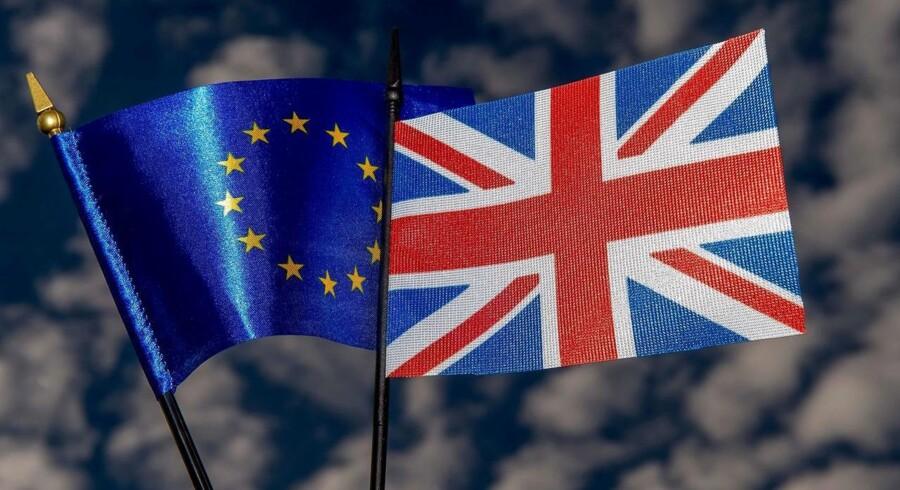 Brexit ville føre til økonomisk usikkerhed og hæmme handelsvæksten, mens de globale effekter bliver endnu stærkere, hvis den britiske tilbagetrækning fra EU udløser volatilitet på de finansielle markeder, vurderer OECD i en ny rapport.